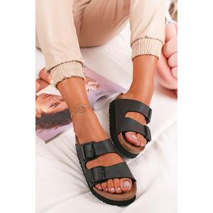 Černé platformové veganské pantofle Arizona BF