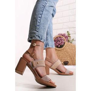 Světle růžové sandály na hrubém podpatku Lola
