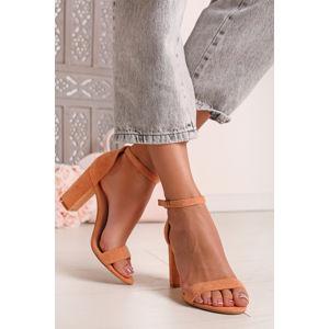 Broskvové semišové sandály na hrubém podpatku Estee