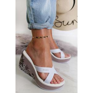 Růžovo-bílé platformové pantofle Lipstick Straps V Fem