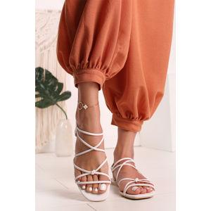 Bílé nízké sandály Velia