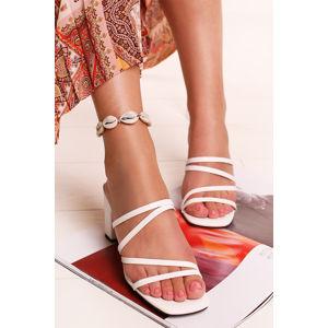 Bílé pantofle Annette