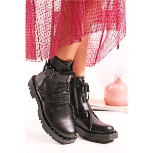 Černé kotníkové boty Cher