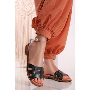 Černé kožené pantofle Algar