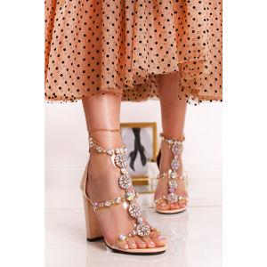 Béžové sandály Queen