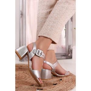 Stříbrné sandály Lindsay