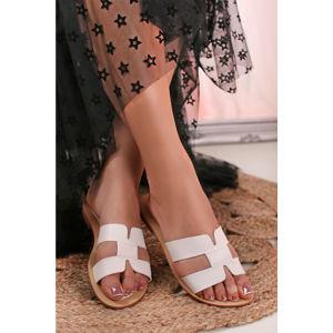 Bílé pantofle Esther