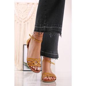 Žluté kožené sandály 2-28425