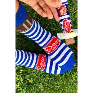 Modro-bílé proužkované ponožky Deva + čokoládová tyčinka Deva