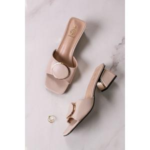 Béžové pantofle na hrubém podpatku Arden