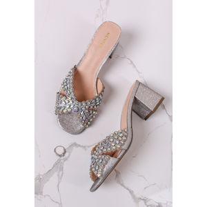 Stříbrné pantofle na hrubém podpatku Belito