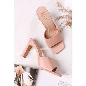 Béžové pantofle na hrubém podpatku Anette