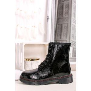 Černé šněrovací kotníkové boty River