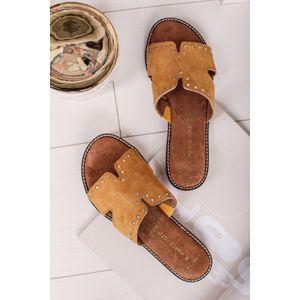 Žluté kožené vybíjeny pantofle 2-27110