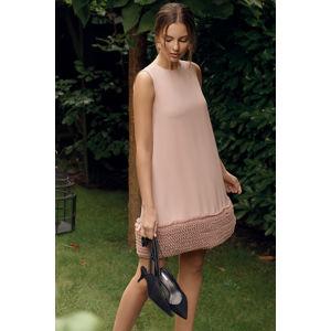 Světle růžové šaty K038